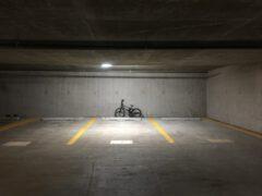 varkensrug beton parkeerplaatsen